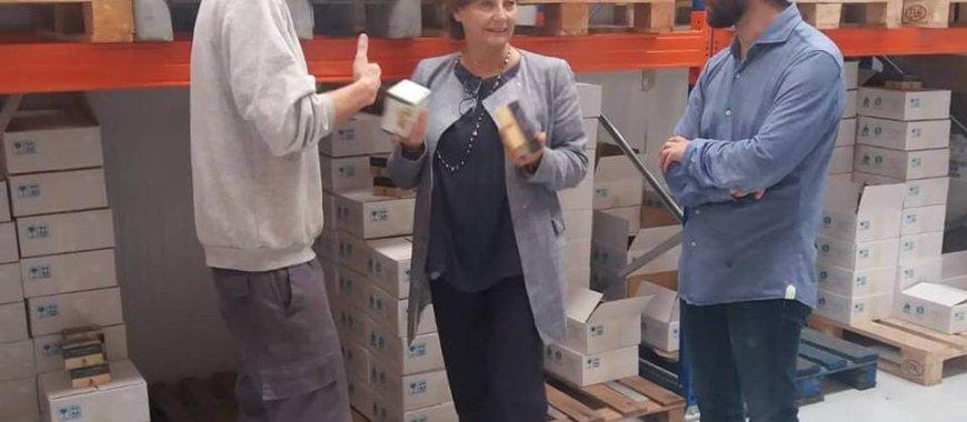 La Alcaldesa de Avilés visita Conservas Laurel